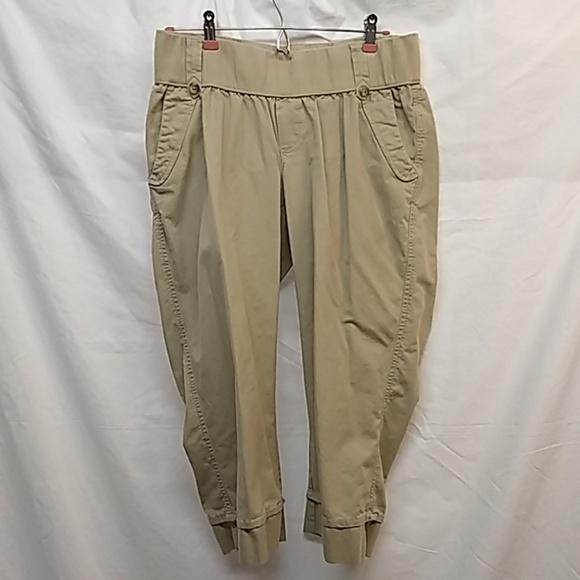 e1971c8752520 Old Navy Pants | Maternity Capris | Poshmark